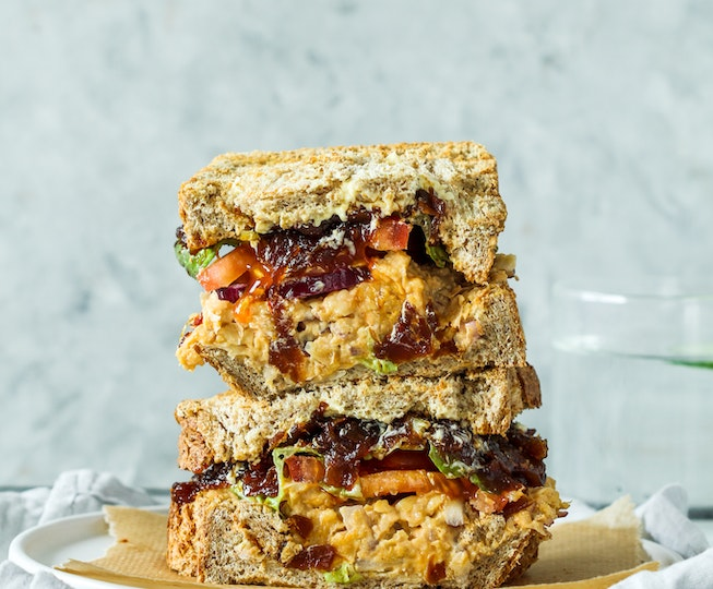 Spicy Smashed Chickpea Sandwich