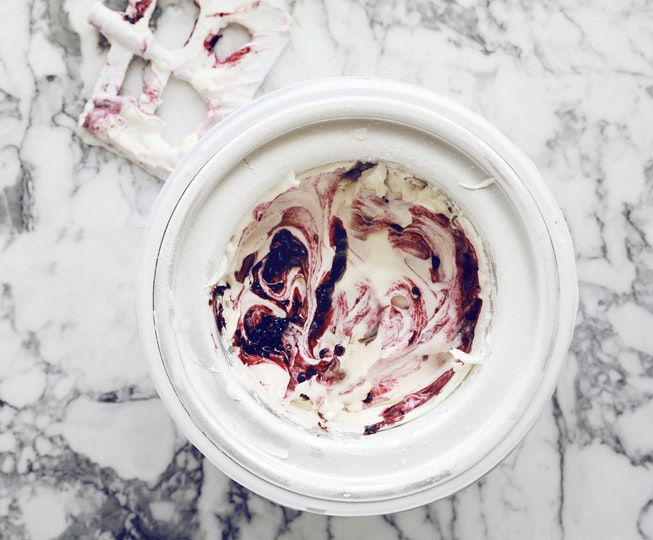 Blackberry Ripple Frozen Yoghurt
