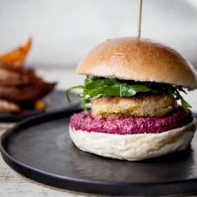 Falafel Burgers with Vegan Beetroot Mayo