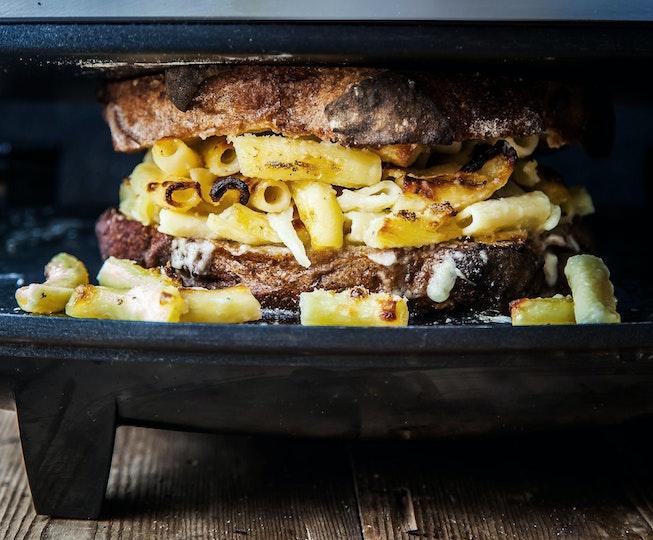 Mac & Cheese Toastie