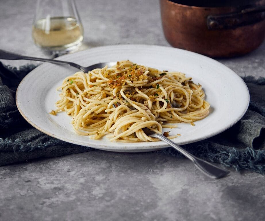 Spaghetti with Green Olives, Capers and Anchovies