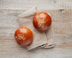 Brioche Glazed & Seeded Buns